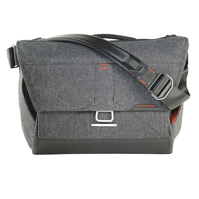 Peak Design Everyday Messenger Bag 15 V2, dunkgrau